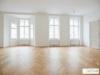 Unbefristet bei Strozzigasse! Elegante 4-Zimmer-Wohnung in hoher Stockwerkslage in Stilaltbau - Titelbild